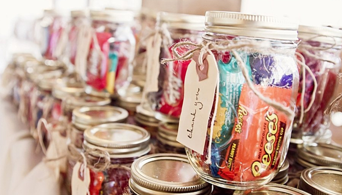 DIY candy in a jar