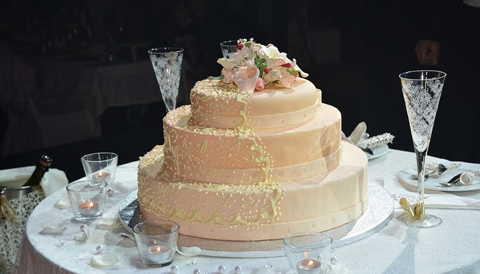 malay wedding cake decor tips